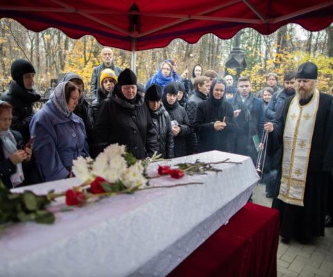Архимандрит Павел, наместник Саввино-Сторожевского монастыря, совершил панихиду на могиле старца Захарии