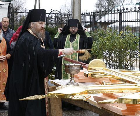 Освящения креста в соборе Успения Божией Матери на Городке